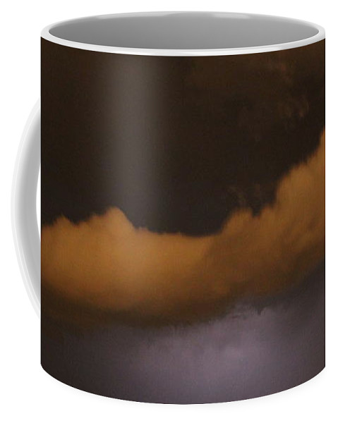 Stormscape Coffee Mug featuring the photograph Nebraska Roll Cloud A Cometh by NebraskaSC