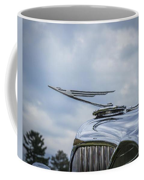 Glenmoor Coffee Mug featuring the photograph 1932 Duesenburg by Jack R Perry