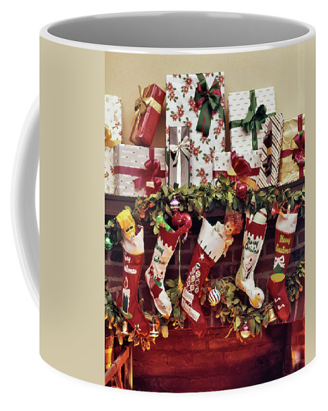 1960s Five Christmas Stockings Hanging Coffee Mug For Sale By Vintage Images,Country Cottage Decor Uk