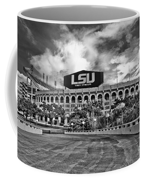 Black & White Coffee Mug featuring the photograph Death Valley - Hdr Bw by Scott Pellegrin