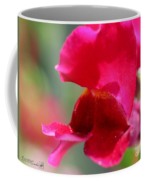 Snapdragon Coffee Mug featuring the photograph Snapdragon Named Red Chimes by J McCombie