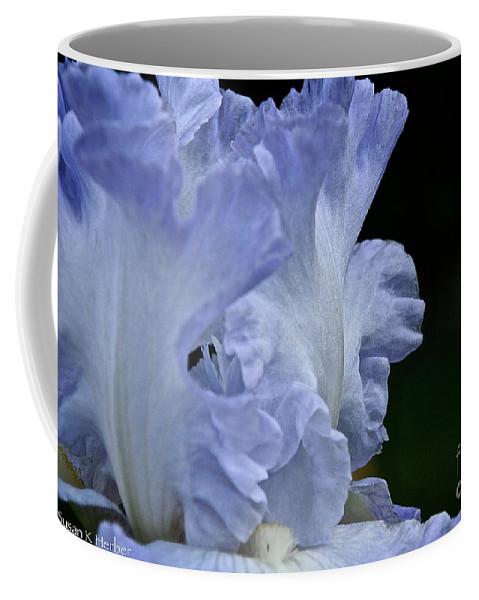 Flower Coffee Mug featuring the photograph Altruist by Susan Herber
