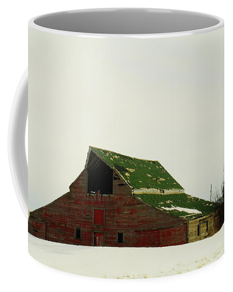 Barns Coffee Mug featuring the photograph An Old Barn In Northeast Montana by Jeff Swan