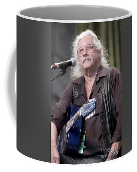 Performing Coffee Mug featuring the photograph Arlo Guthrie by Concert Photos