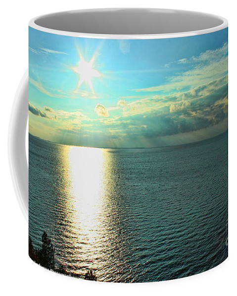 Wisconsin Coffee Mug featuring the photograph Bay Of Green Bay Wi by Tommy Anderson