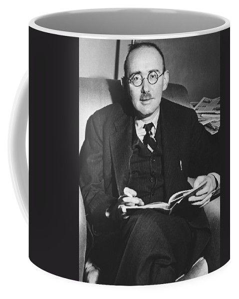 1944 Coffee Mug featuring the photograph Benet Wins Pulitzer For Poetry by Underwood Archives