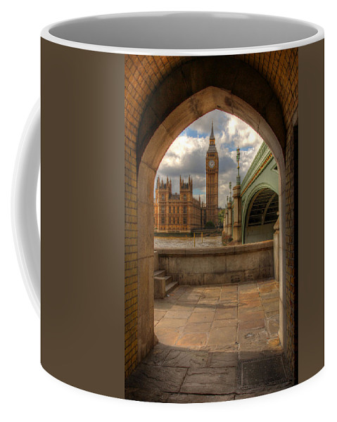 Big Ben Coffee Mug featuring the photograph Big Ben Through The Arch by Lee Nichols