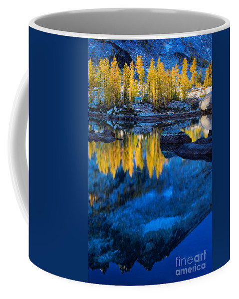 Alpine Lakes Wilderness Coffee Mug featuring the photograph Blue And Yellow by Inge Johnsson