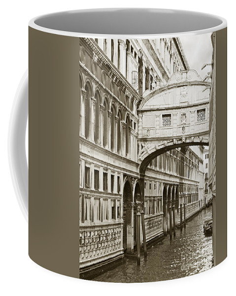Bridge Of Sighs Coffee Mug featuring the photograph Bridge Of Sighs Venice Italy by Liz Leyden