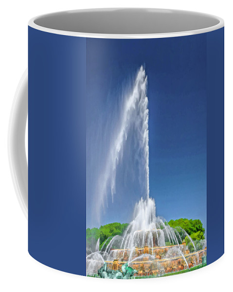 Buckingham Fountain Coffee Mug featuring the painting Buckingham Fountain Spray by Christopher Arndt