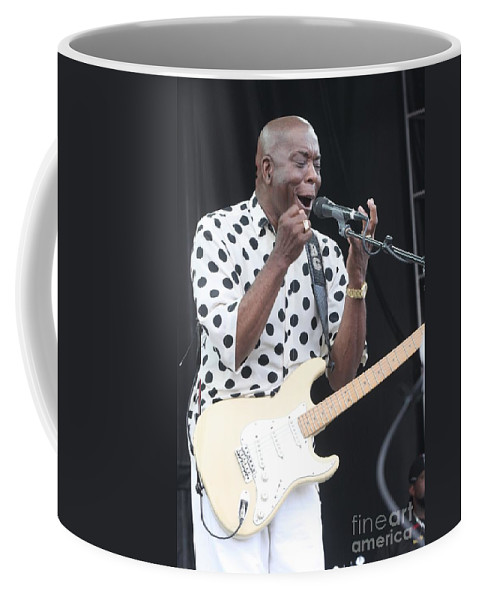 Singer Coffee Mug featuring the photograph Buddy Guy by Concert Photos