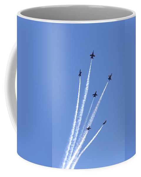 5168 Coffee Mug featuring the photograph Bursting Forth by Gordon Elwell