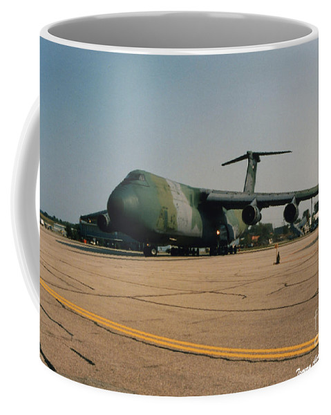 Lockheed C-5 Galixy Coffee Mug featuring the photograph C-5 On Taxi by Tommy Anderson