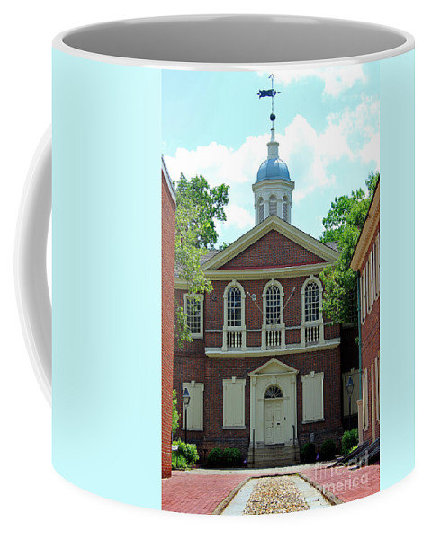 Carpenters Hall Coffee Mug featuring the photograph Carpenters Hall In Philadephia by Karen Adams