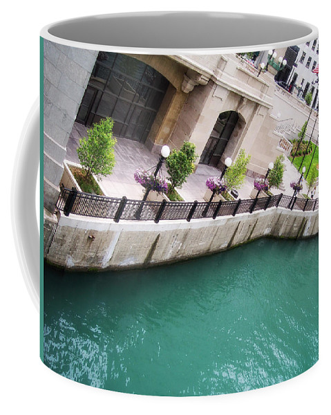 Chicago Coffee Mug featuring the photograph Chicago River by Donna Blackhall