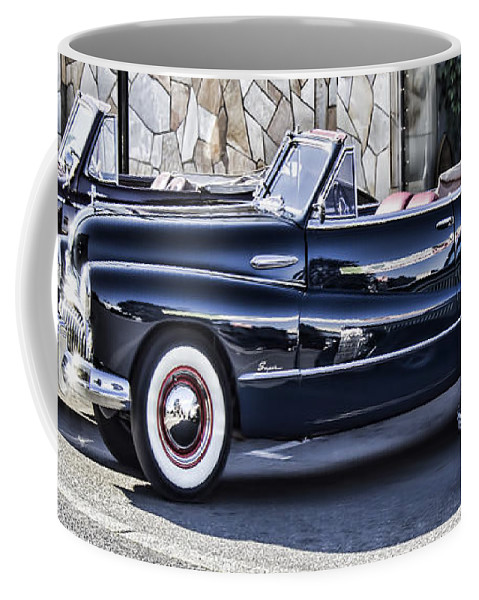 Coffee Mug featuring the photograph Classic Cars by Cathy Anderson