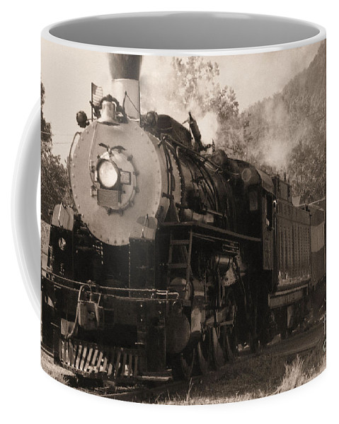 Trains Coffee Mug featuring the photograph Coming Around The Mountain by Richard Rizzo