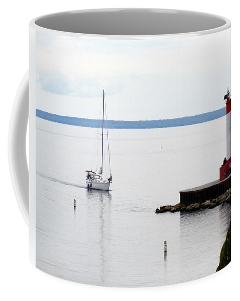Bronte Coffee Mug featuring the painting Coming Home by Laurel Best