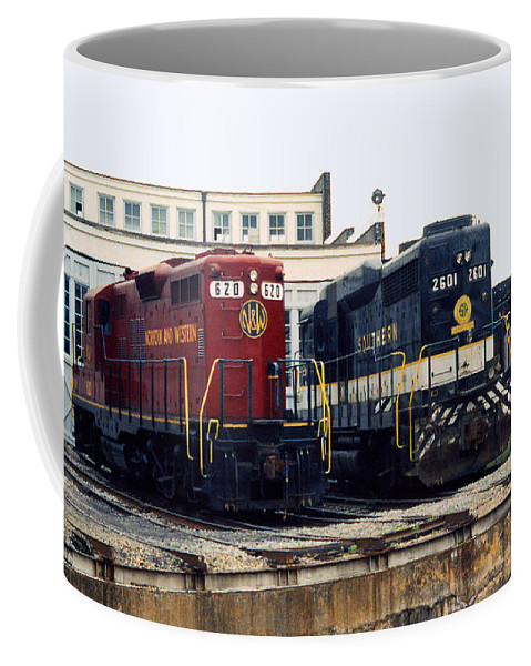 Trains Coffee Mug featuring the photograph Cousins by Richard Rizzo