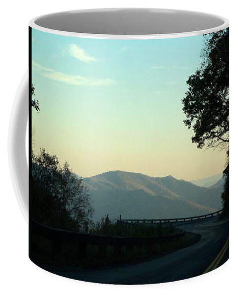 Road Coffee Mug featuring the photograph Curve In The Road by Katie Beougher