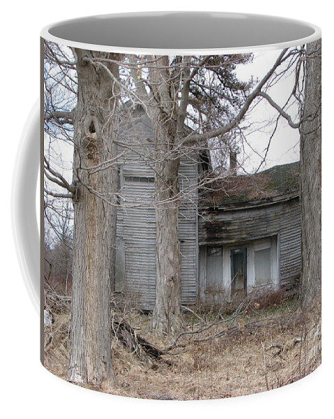 Defunct House Coffee Mug featuring the photograph Defunct House by Michael Krek
