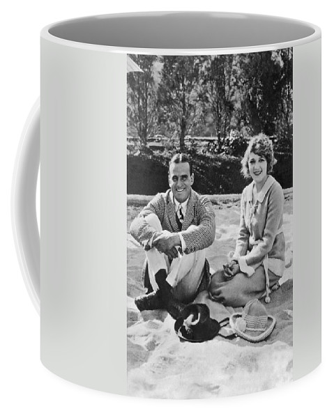1926 Coffee Mug featuring the photograph Fairbanks And Pickford by Underwood Archives