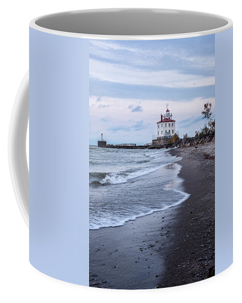 Fairport Harbor Breakwater Lighthouse Coffee Mug featuring the photograph Fairport Harbor Breakwater Lighthouse by Dale Kincaid