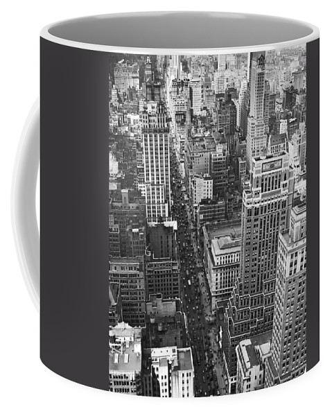 1929 Coffee Mug featuring the photograph Fifth Avenue In New York City. by Underwood & Underwood