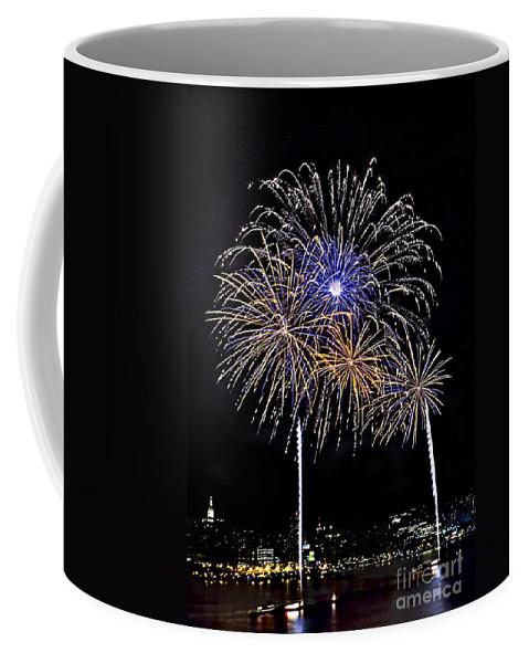 New York City Coffee Mug featuring the photograph Firewoks by Susan Candelario