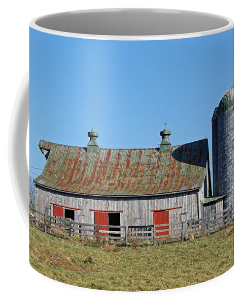 American Country Art Coffee Mug featuring the photograph Fleming County Barn by Roger Potts