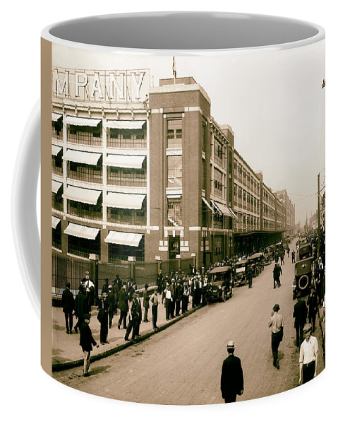 Detroit Coffee Mug featuring the photograph Ford Work Shift Change - Detroit 1916 by Mountain Dreams