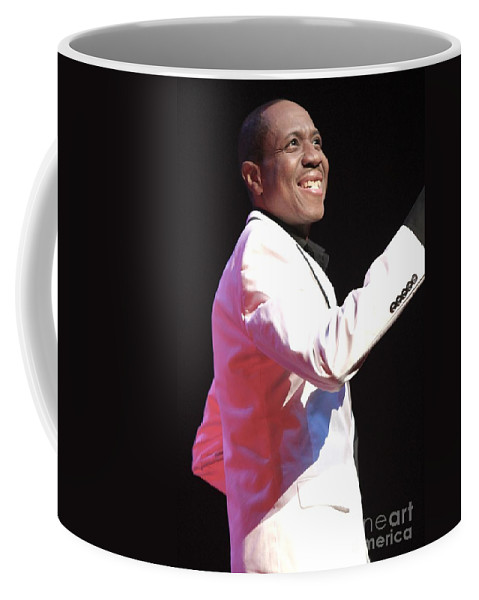 Singer Vocals Coffee Mug featuring the photograph Freddie Jackson by Concert Photos