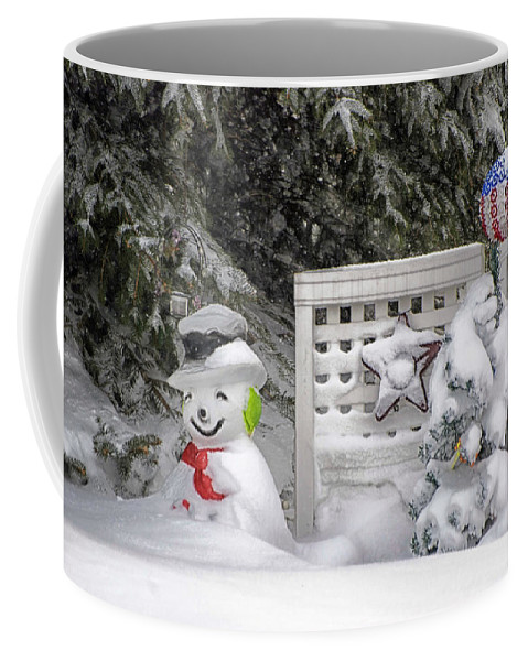 Holiday Card Coffee Mug featuring the photograph Frosty The Snow Man by Thomas Woolworth