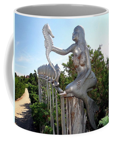 Mermaid Coffee Mug featuring the photograph Grand Entranceway by Ed Weidman