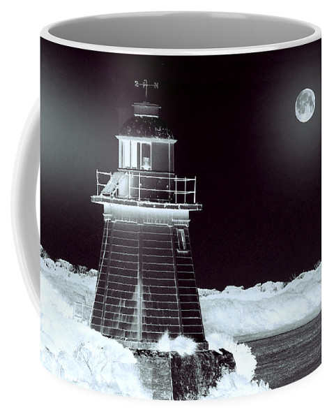 Landscapes Coffee Mug featuring the photograph Guiding Lights by Holly Kempe