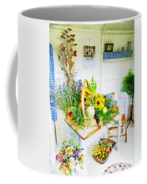 Flowers Coffee Mug featuring the photograph Happy Thoughts by Steve Taylor