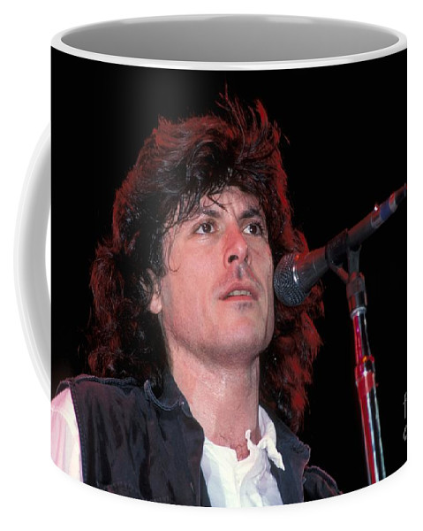 Guitarist Coffee Mug featuring the photograph Hooters by Concert Photos