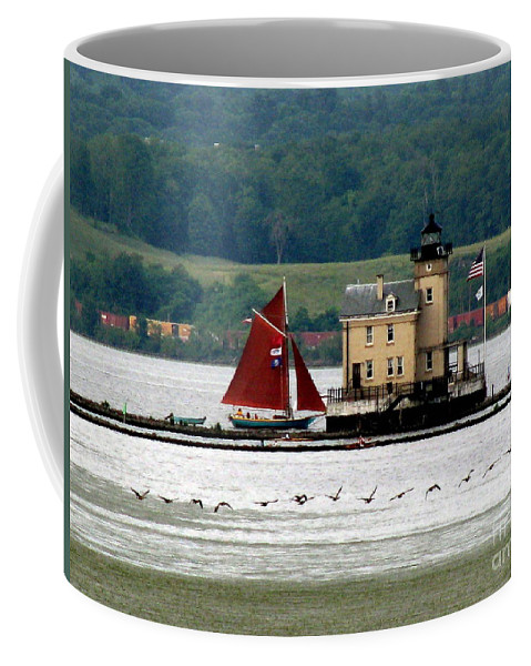 Rondout Lighthouse Coffee Mug featuring the photograph Horizontals by Maxine Kamin