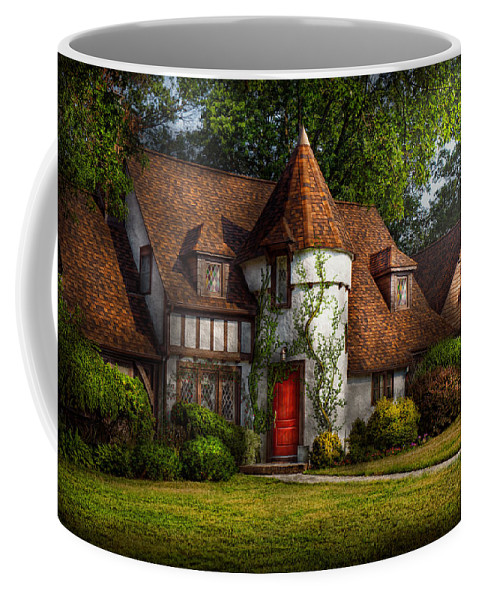 Castle Coffee Mug featuring the photograph House - Westfield Nj - Fit For A King by Mike Savad