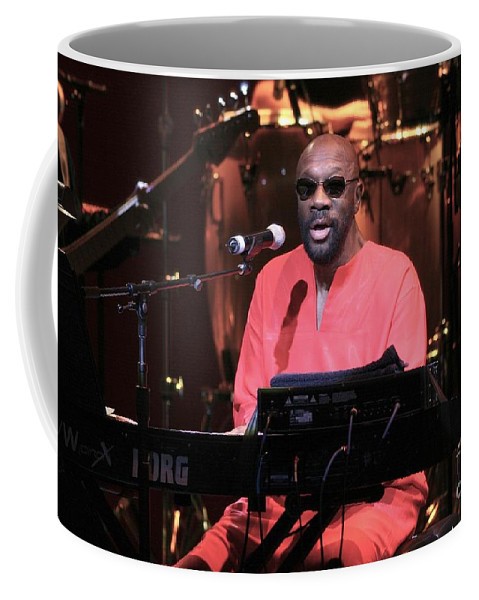 Actor Coffee Mug featuring the photograph Isaac Hayes by Concert Photos
