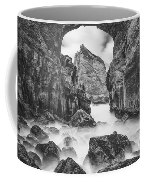 Oregon Coffee Mug featuring the photograph Kehole Arch by Darren White