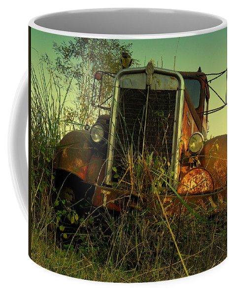 Wallpaper Buy Art Print Phone Case T-shirt Beautiful Duvet Case Pillow Tote Bags Shower Curtain Greeting Cards Mobile Phone Apple Android Nature Old American Coffee Mug featuring the photograph Kenworth 2 by Salman Ravish