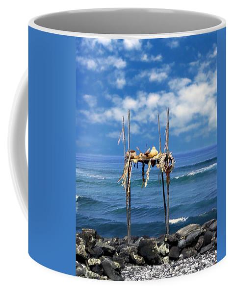 Hawaii Coffee Mug featuring the photograph Ku Emanu Heiau Kona by Kurt Van Wagner