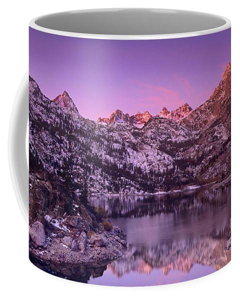 North America Coffee Mug featuring the photograph Lake Sabrina Sunrise Eastern Sierras California by Dave Welling