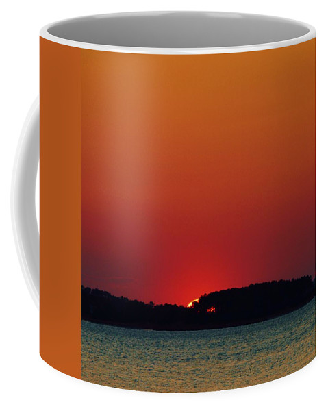 Beach Bum Pics Coffee Mug featuring the photograph Last Look by William Bartholomew