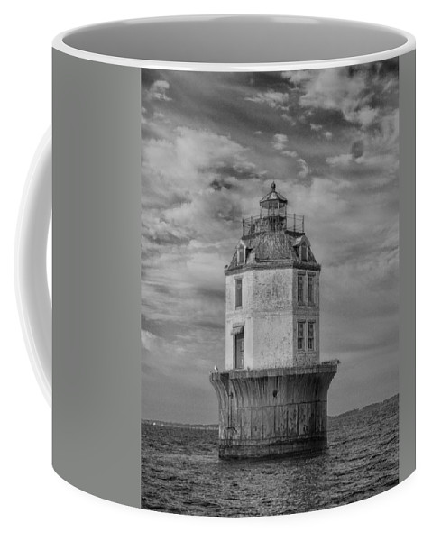 Bay Coffee Mug featuring the photograph Lighthouse 2 by Leah Palmer