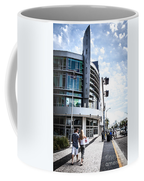Lincoln Coffee Mug featuring the photograph Lincoln Road by Carolina Mendez