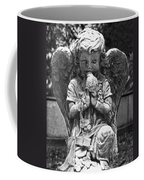 Little Kisses Coffee Mug featuring the photograph Little Kisses Bkwt by Peter Piatt