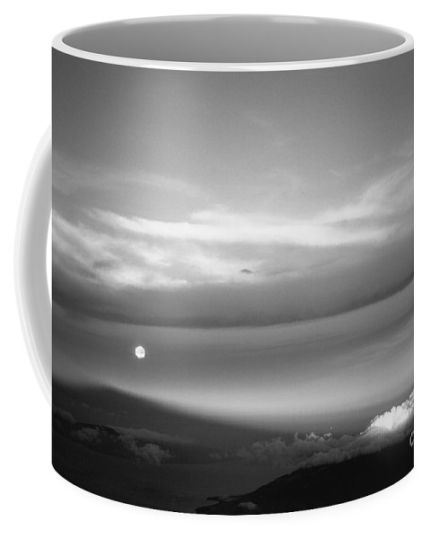 B&w Coffee Mug featuring the photograph Maui Full Moonset At Sunrise by Jim Cazel
