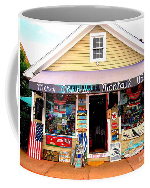 Montauk Coffee Mug featuring the photograph Merry Summer Christmas by Ed Weidman
